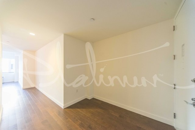 2 Bedrooms, Financial District Rental in NYC for $5,319 - Photo 2