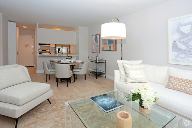 2 Bedrooms, Yorkville Rental in NYC for $3,000 - Photo 1