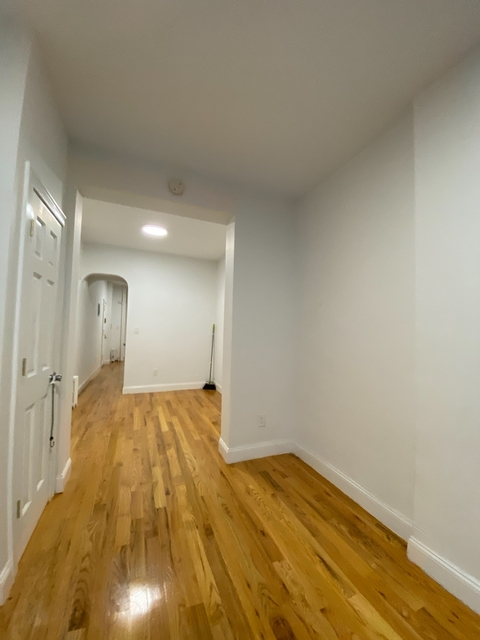 1 Bedroom, South Slope Rental in NYC for $2,335 - Photo 2