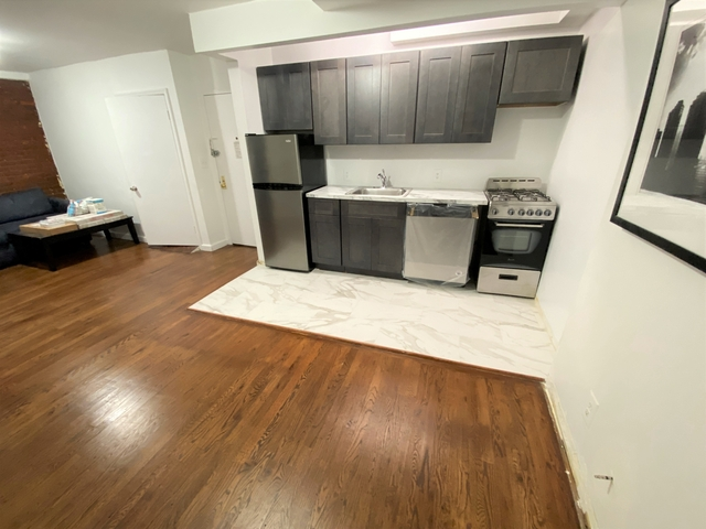 2 Bedrooms, Alphabet City Rental in NYC for $2,699 - Photo 1