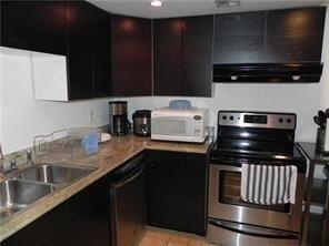 2 Bedrooms, Pine Island Ridge Rental in Miami, FL for $1,500 - Photo 2