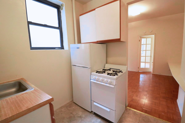 1 Bedroom, Chelsea Rental in NYC for $2,150 - Photo 2