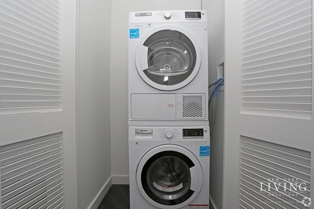 1 Bedroom, Alphabet City Rental in NYC for $3,150 - Photo 2