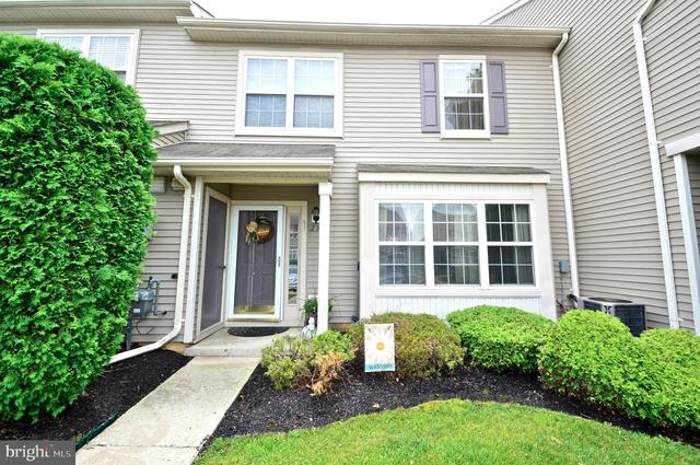 2 Bedrooms, Burlington Rental in Philadelphia, PA for $1,600 - Photo 1
