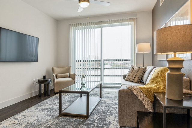 1 Bedroom, Linwood Rental in Dallas for $1,548 - Photo 2