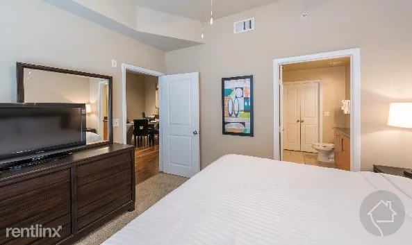 2 Bedrooms, Uptown Rental in Dallas for $2,020 - Photo 1