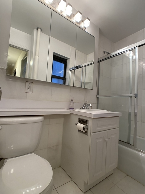 Studio, Lincoln Square Rental in NYC for $1,662 - Photo 2