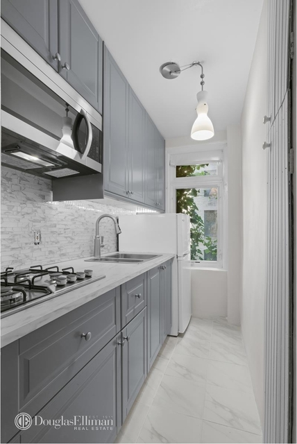 Studio, Sutton Place Rental in NYC for $1,975 - Photo 2