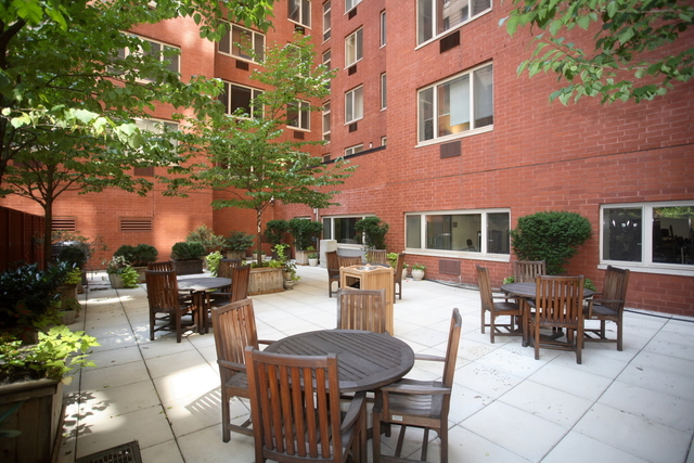 1 Bedroom, Civic Center Rental in NYC for $2,595 - Photo 2