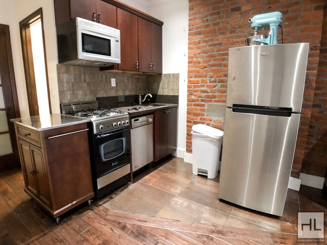 1 Bedroom, West Village Rental in NYC for $2,830 - Photo 2