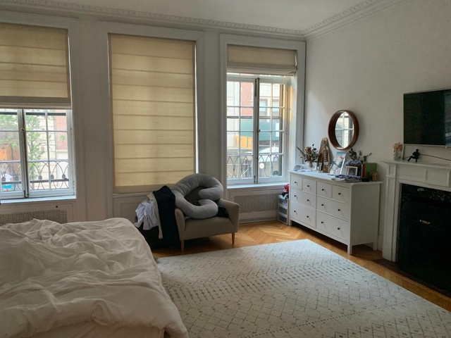 3 Bedrooms, Lenox Hill Rental in NYC for $5,700 - Photo 2