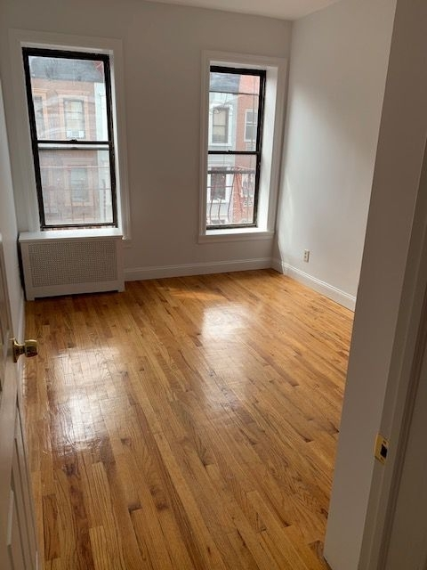 2 Bedrooms, Yorkville Rental in NYC for $2,225 - Photo 2