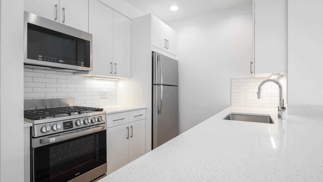 2 Bedrooms, West Village Rental in NYC for $6,372 - Photo 1