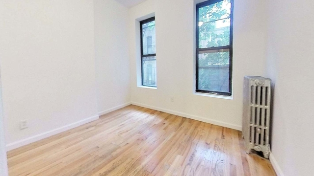 3 Bedrooms, Yorkville Rental in NYC for $2,595 - Photo 1