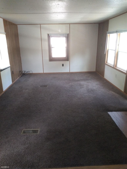 2 Bedrooms, Marquette Rental in Marquette, MI for $600 - Photo 2