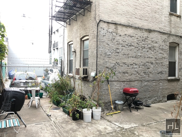 2 Bedrooms, Greenpoint Rental in NYC for $1,750 - Photo 1