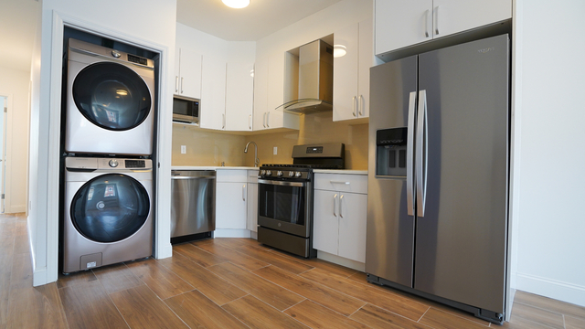 3 Bedrooms, Crown Heights Rental in NYC for $3,226 - Photo 1