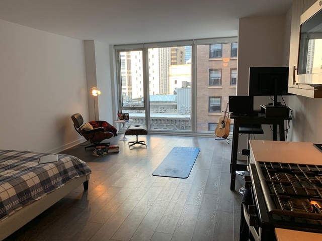 Studio, The Loop Rental in Chicago, IL for $1,400 - Photo 2