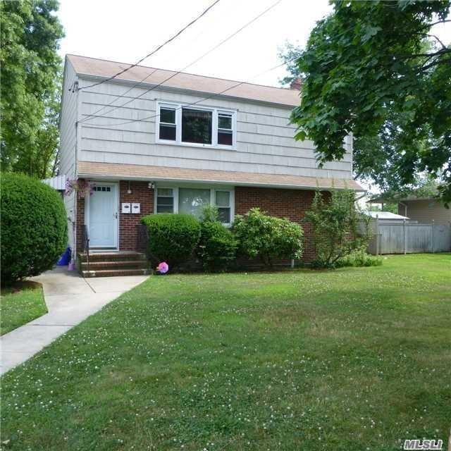 2 Bedrooms, West Babylon Rental in Long Island, NY for $2,000 - Photo 1