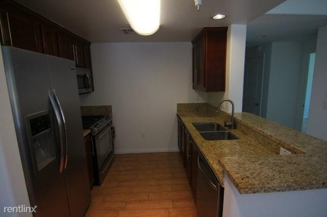 2 Bedrooms, Valley Village Rental in Los Angeles, CA for $2,650 - Photo 2
