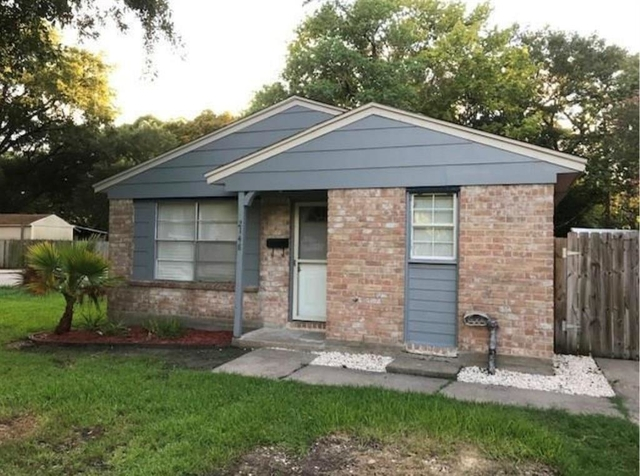 3 Bedrooms, Alvin-Pearland Rental in Houston for $1,295 - Photo 1