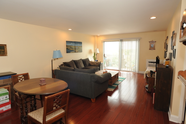 1 Bedroom, Evanston Rental in Chicago, IL for $1,490 - Photo 2