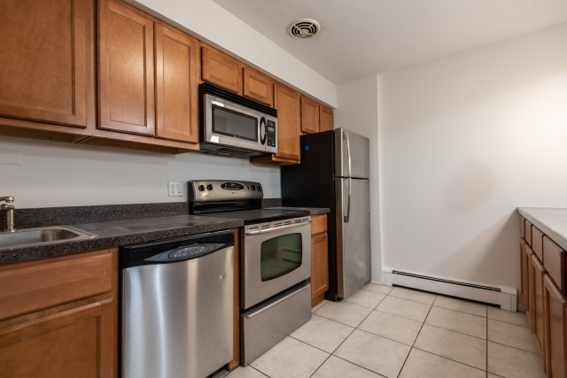 1 Bedroom, Lake View East Rental in Chicago, IL for $1,350 - Photo 1
