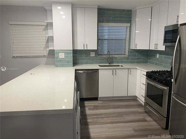 2 Bedrooms, South Pointe Rental in Miami, FL for $2,590 - Photo 1