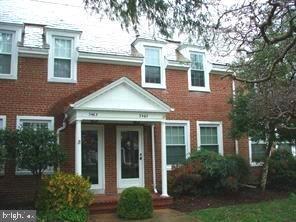 2 Bedrooms, Fairlington - Shirlington Rental in Washington, DC for $2,350 - Photo 1
