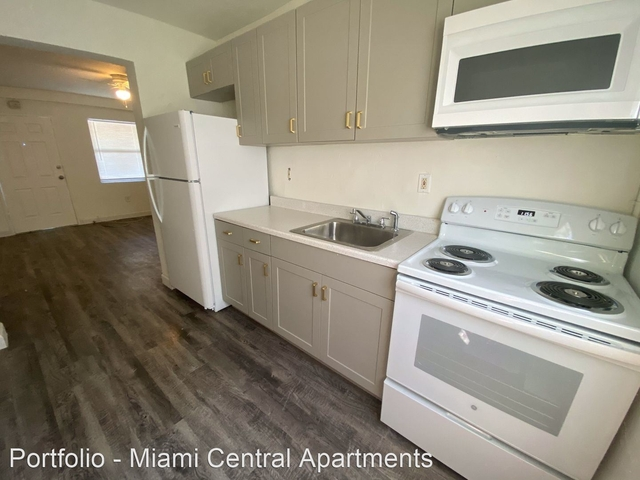 2 Bedrooms, Overtown Rental in Miami, FL for $1,400 - Photo 1