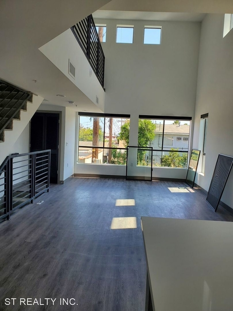 2 Bedrooms, East Hollywood Rental in Los Angeles, CA for $3,209 - Photo 1