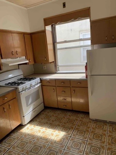 2 Bedrooms, Astoria Rental in NYC for $1,990 - Photo 1