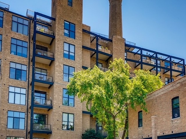 1 Bedroom, Ranch Triangle Rental in Chicago, IL for $2,400 - Photo 1