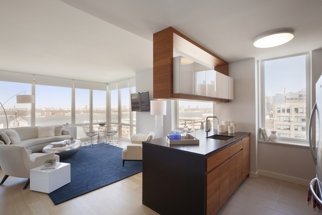 2 Bedrooms, Hell's Kitchen Rental in NYC for $6,595 - Photo 1