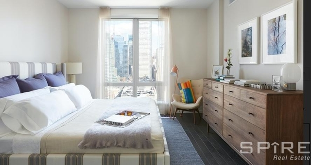 2 Bedrooms, Hell's Kitchen Rental in NYC for $5,639 - Photo 1