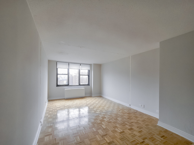 2 Bedrooms, Rose Hill Rental in NYC for $2,118 - Photo 1