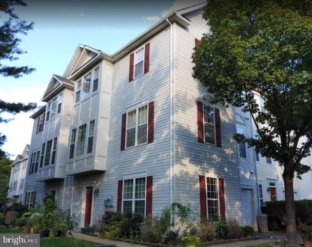 3 Bedrooms, Fairfax Rental in Washington, DC for $2,200 - Photo 1