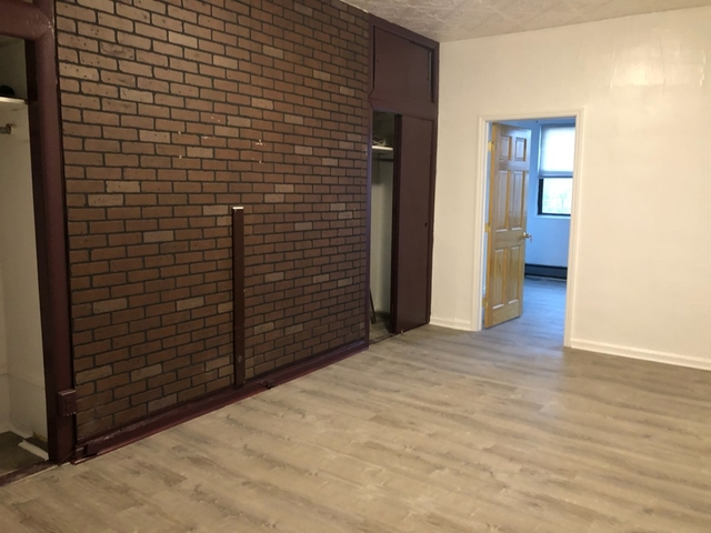 3 Bedrooms, Long Island City Rental in NYC for $2,200 - Photo 1