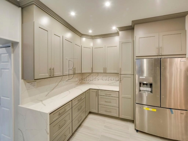 2 Bedrooms, Steinway Rental in NYC for $3,300 - Photo 2