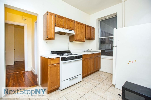 3 Bedrooms, Yorkville Rental in NYC for $2,425 - Photo 1