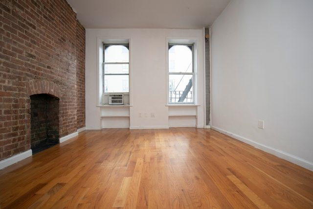 2 Bedrooms, Chelsea Rental in NYC for $3,150 - Photo 1