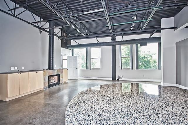 2 Bedrooms, Uptown Rental in Dallas for $2,850 - Photo 1