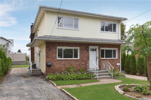 3 Bedrooms, Manorhaven Rental in Long Island, NY for $3,450 - Photo 1