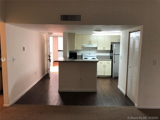 3 Bedrooms, Welleby Rental in Miami, FL for $1,650 - Photo 1