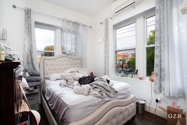 3 Bedrooms, Ditmars Rental in NYC for $2,750 - Photo 1