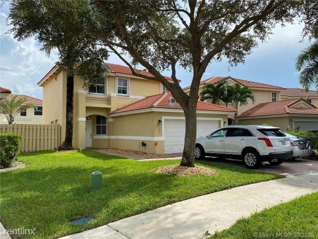 3 Bedrooms, Regency Rental in Miami, FL for $3,195 - Photo 1