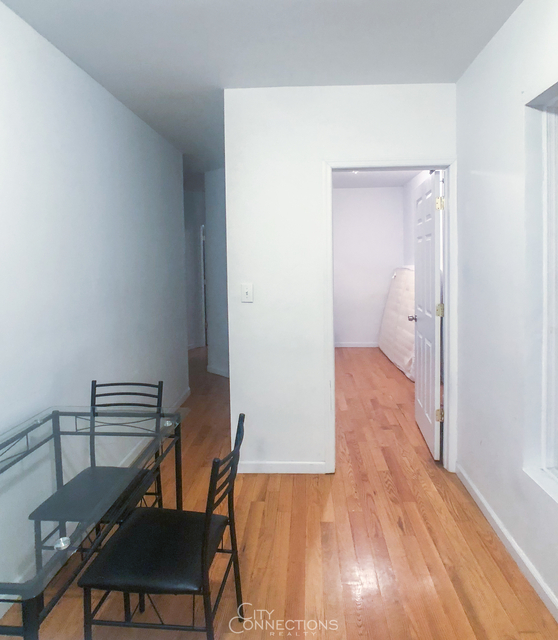 2 Bedrooms, Hell's Kitchen Rental in NYC for $2,400 - Photo 2