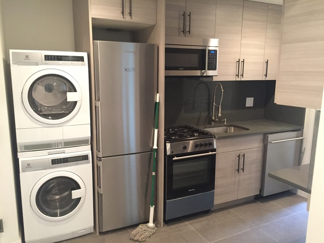 2 Bedrooms, Alphabet City Rental in NYC for $3,025 - Photo 1