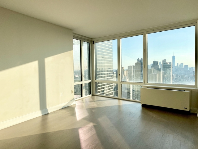 1 Bedroom, Douglas Rental in Chicago, IL for $2,995 - Photo 1