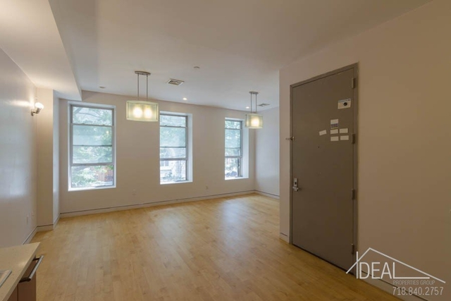 2 Bedrooms, North Slope Rental in NYC for $3,700 - Photo 1